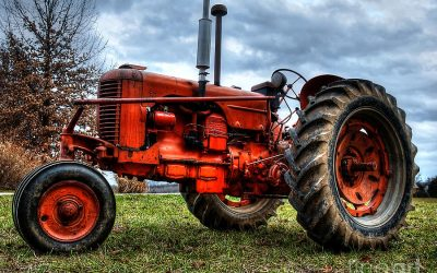 antique-tractor-jim-robertson